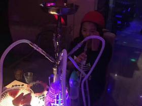 阿拉伯水烟抽了会嗨吗