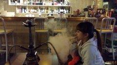 云南曲靖墨客酒吧阿拉伯水烟壶专卖各种水果口味水烟!
