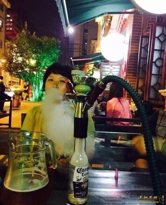 酒吧酒瓶水烟壶